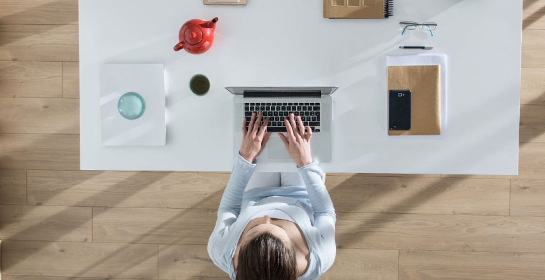 Com crear el teu espai de treball a casa en 5 passos