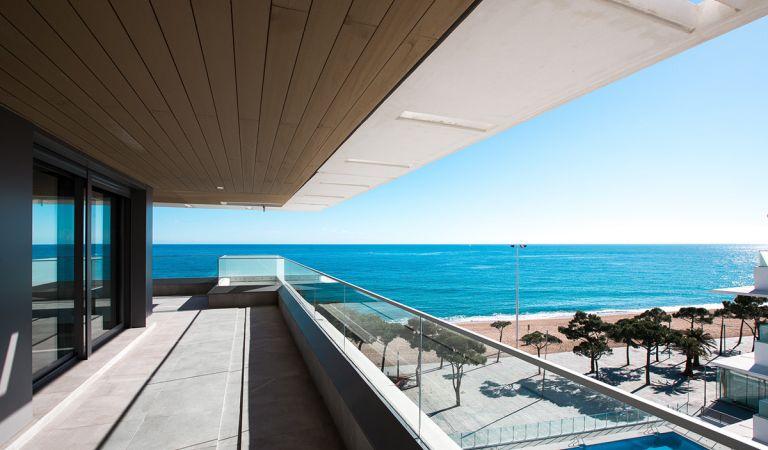 terraza apartamento obra nueva playa de aro