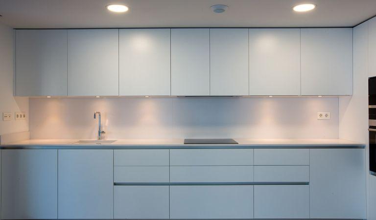 cocina apartamento obra nueva blau mar gestilar