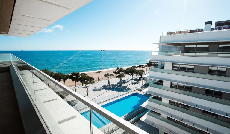 piscina apartamentos obra nueva playa de aro