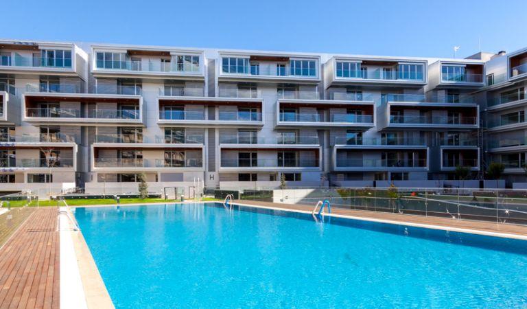 piscina viviendas obra nueva alcala de henares