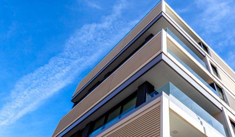 pisos nuevos en sinesio delgado