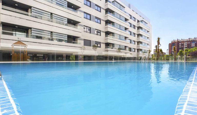 piscina viviendas isla de ízaro gestilar
